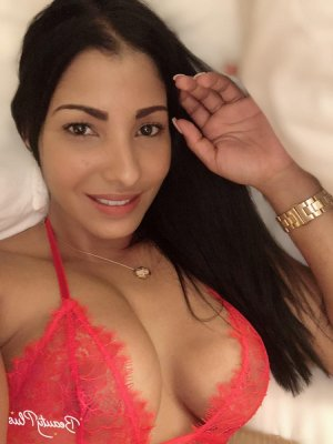 Oura live escorts in Moline